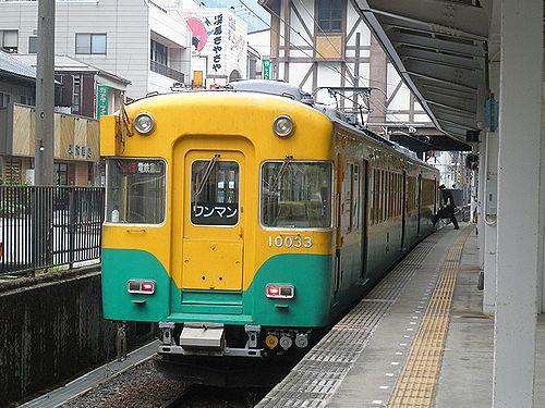 富山地方鉄道モハ10030系(2011年10月11日・宇奈月温泉駅)