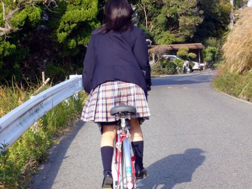 【三次画像あり】 ミニスカの女子高生が自転車に乗ってるとドキっとするよね! 53枚 part.13 No.1