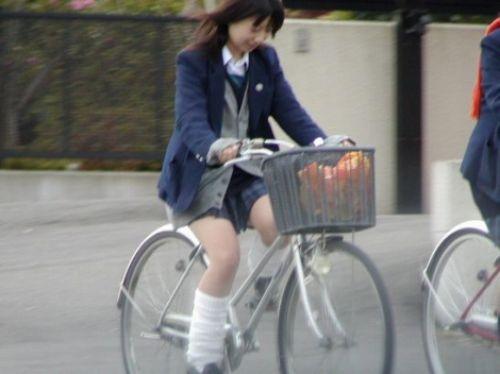【三次画像あり】 ミニスカの女子高生が自転車に乗ってるとドキっとするよね! 53枚 part.13 No.17