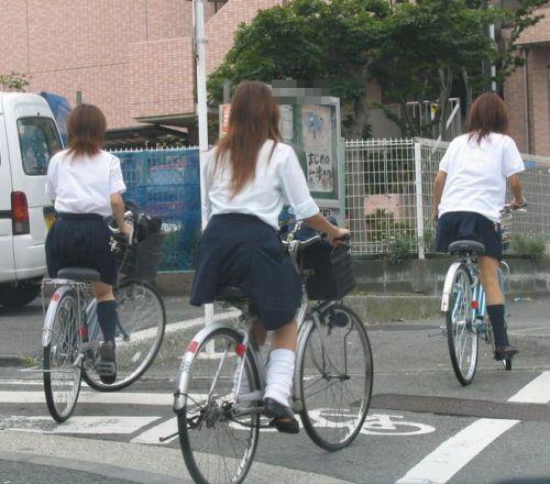 【三次画像あり】 ミニスカの女子高生が自転車に乗ってるとドキっとするよね! 53枚 part.13 No.18