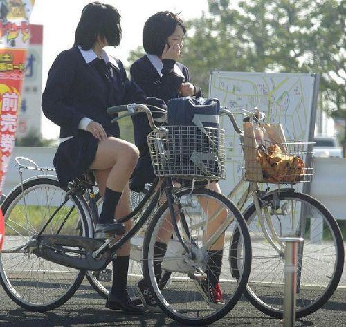 【三次画像あり】 ミニスカの女子高生が自転車に乗ってるとドキっとするよね! 53枚 part.13 No.23