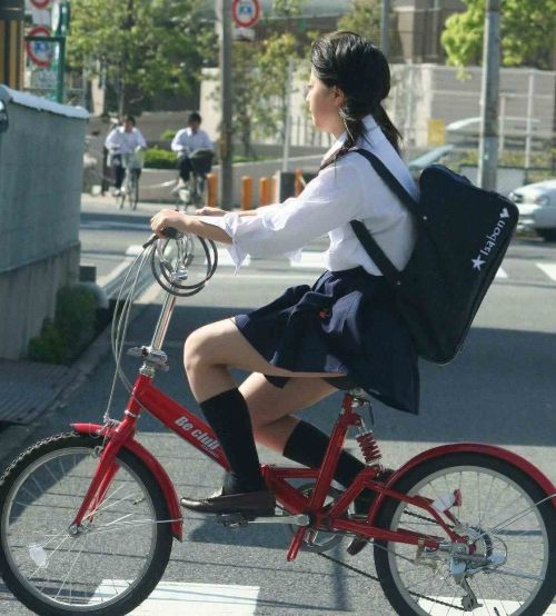 【三次画像あり】 ミニスカの女子高生が自転車に乗ってるとドキっとするよね! 53枚 part.13 No.25