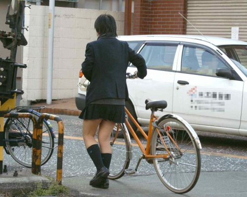 【三次画像あり】 ミニスカの女子高生が自転車に乗ってるとドキっとするよね! 53枚 part.13 No.32
