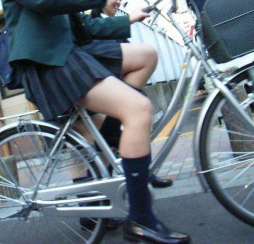 【三次画像あり】 ミニスカの女子高生が自転車に乗ってるとドキっとするよね! 53枚 part.13 No.37