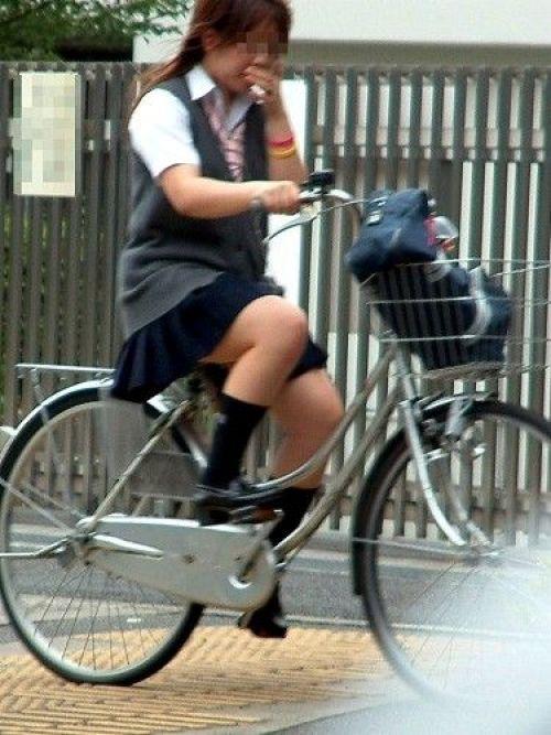 【三次画像あり】 ミニスカの女子高生が自転車に乗ってるとドキっとするよね! 53枚 part.13 No.41