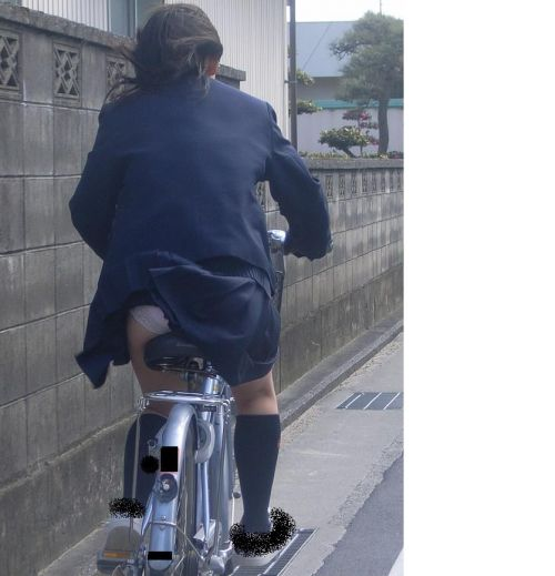 【三次画像あり】 JKがミニスカで自転車に乗ってる姿を後ろから眺めるの幸せすぎ♪ 52枚 part.12 No.15