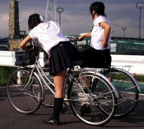 【三次画像あり】 JKがミニスカで自転車に乗ってる姿を後ろから眺めるの幸せすぎ♪ 52枚 part.12 No.17