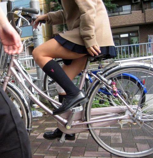 【三次画像あり】 JKがミニスカで自転車に乗ってる姿を後ろから眺めるの幸せすぎ♪ 52枚 part.12 No.44