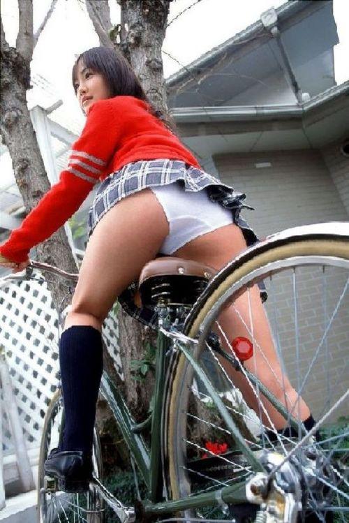 【三次画像あり】 JKがミニスカで自転車に乗ってる姿を後ろから眺めるの幸せすぎ♪ 52枚 part.12 No.46