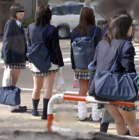 街撮り JK 顔出し モザなしjk東京ストリートガールズ 東京ストリートガールズ  盗撮写真 ネクタイしているJKって良いよね!胸元ゆるゆるな制服ネクタイJK ...