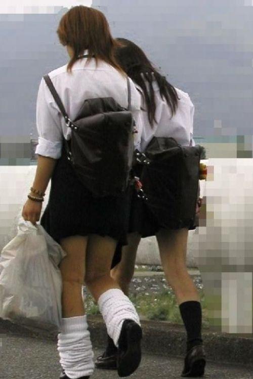 ミニスカートのJKの太ももを街撮り盗撮したエロ画像でウォームングアップしようぜ! 29枚 part.20 No.24