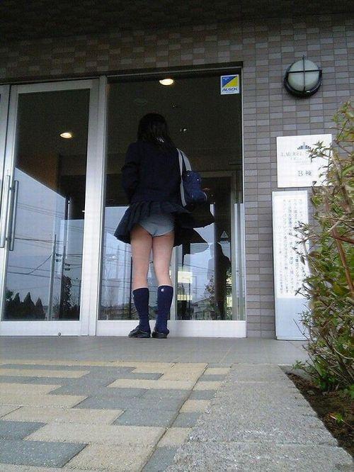 【三次】 JKの制服ミニスカからパンチラしちゃってるエロ画像! 26枚 part.8 No.8