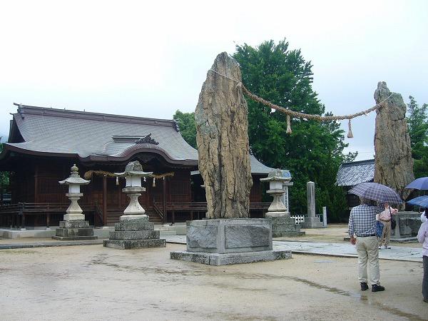 賀茂神社の注連石