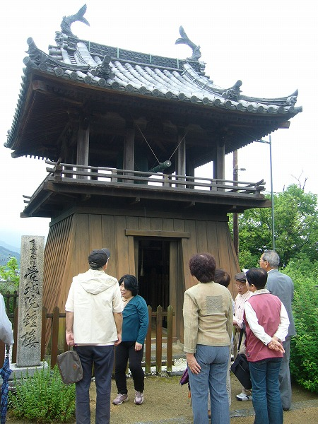 覚城院鐘楼