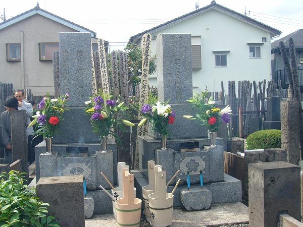 大先生の墓石