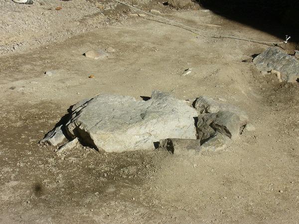 二天門跡の礎石