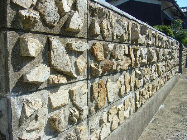 素敵な塀(粟島)