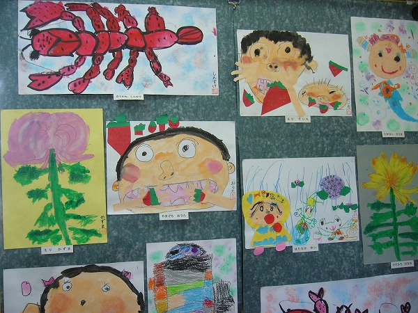 幼稚園の作品横