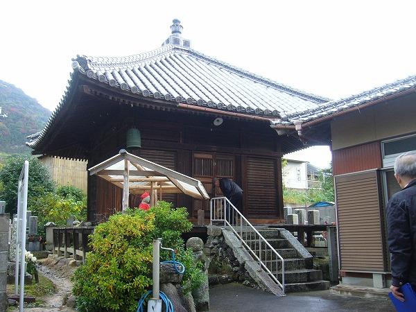 三野町吉津観音様の堂