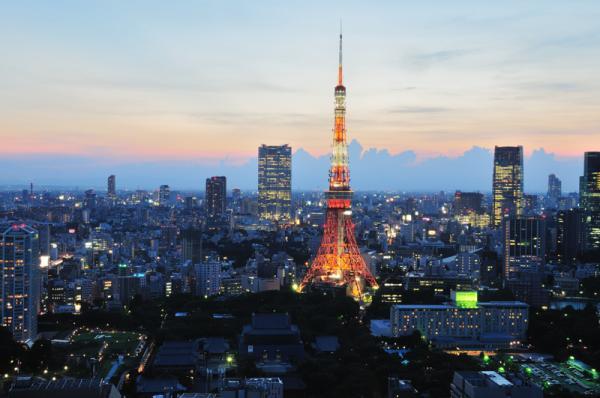 夕暮れの東京タワー