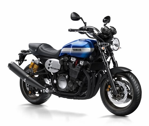2015-Yamaha-XJR1300-EU-Power-Blue-Studio-001 (600x505)