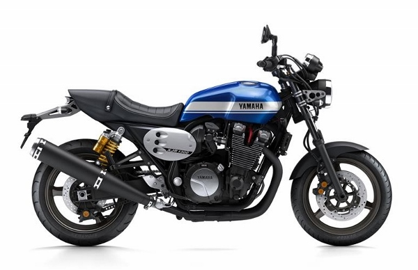2015-Yamaha-XJR1300-EU-Power-Blue-Studio-002 (600x388)