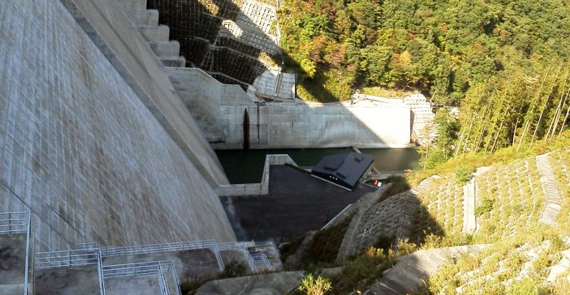 湯西川ダム (800x415)