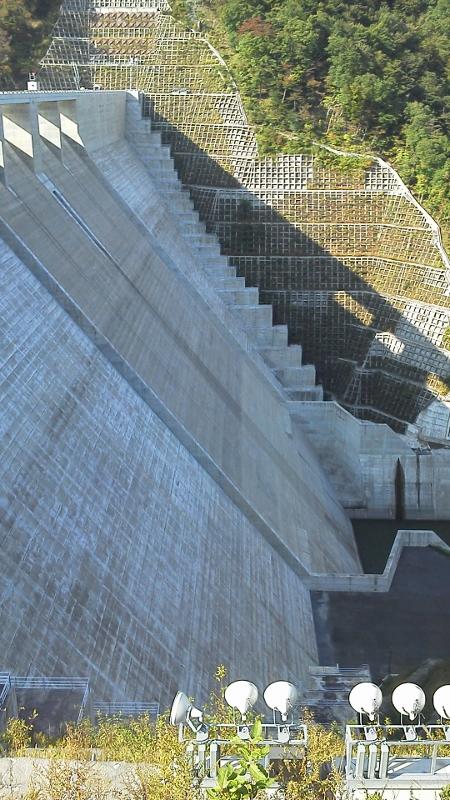 湯西川ダム2 (450x800)