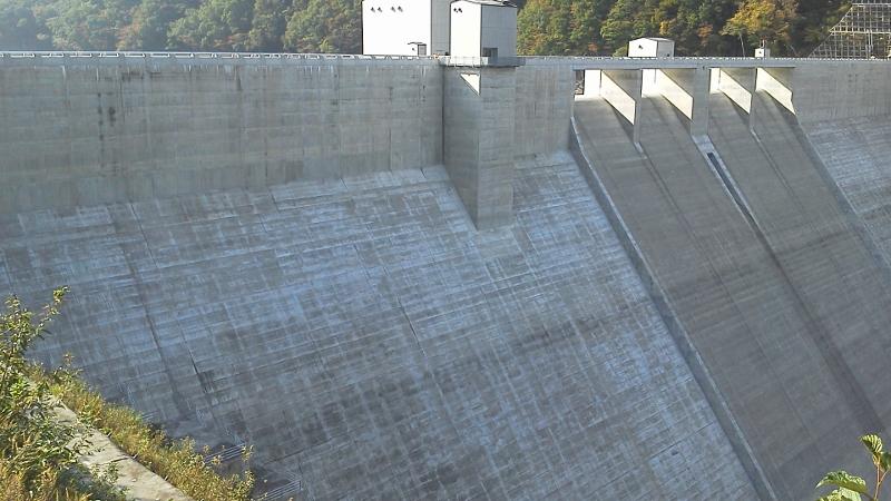 湯西川ダム5 (800x450)