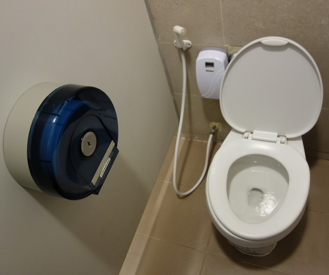 1-Toilet-003