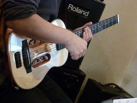 g村山義光講師の新しいトラベルギター