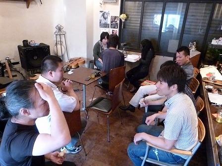 g村山義光講師と観覧者と受講者