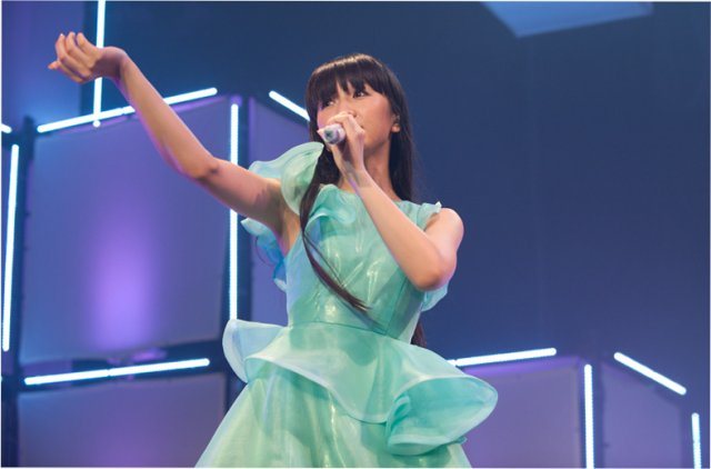 news_xlarge_Perfume_NY3.jpg