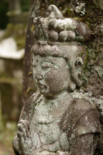 宝地院の石仏4