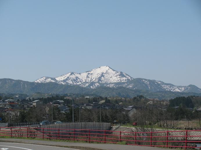 市内から見る米山