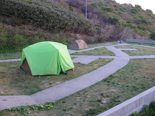 ドンデン山荘脇のテント場