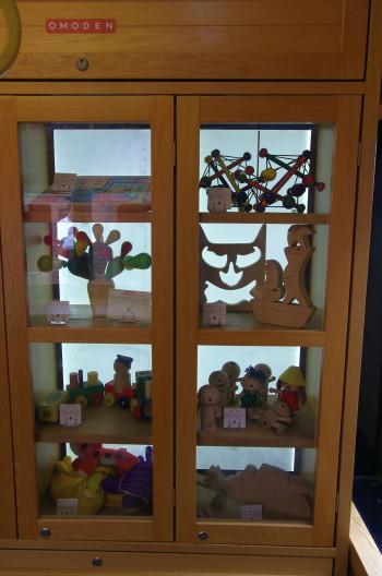 車内おもちゃ棚