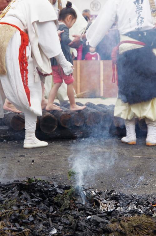 元興寺 火渡り