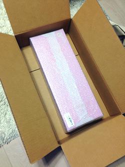箱はピンクでした
