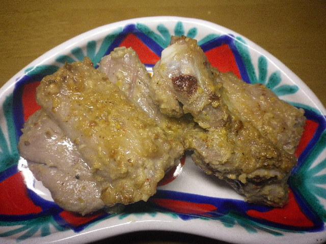 塩麹漬けスペアリブ