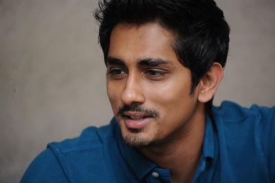siddharth-actor-049_convert_20140215164426.jpg