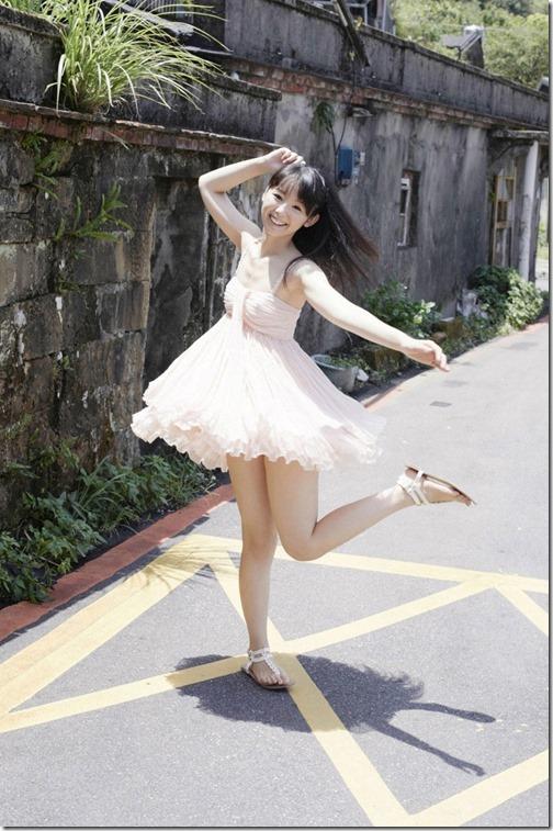 【ミニスカ絶対領域エロ画像】パンツが見えてなくても抜けそうなミニスカートのお姉さん画像(50枚)10-s