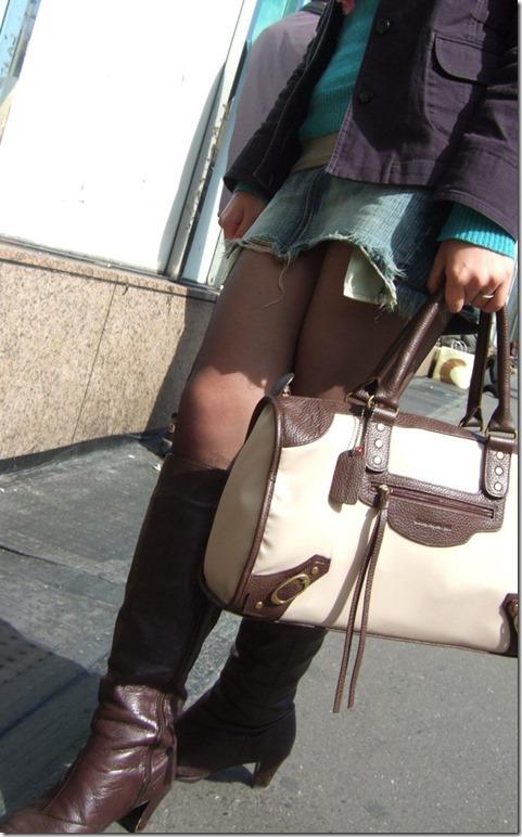 【ミニスカ絶対領域エロ画像】パンツが見えてなくても抜けそうなミニスカートのお姉さん画像(50枚)40-s