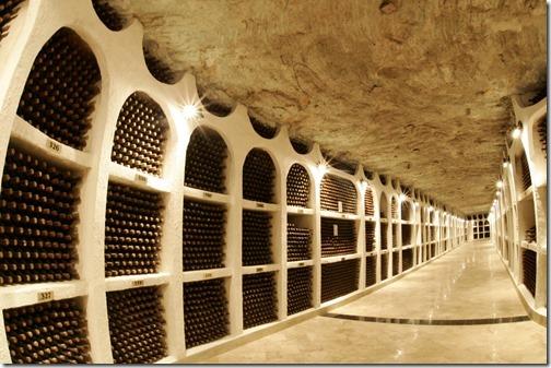 29【世界の射精から;モルドバ共和国編】風と水の流れに育まれたワインの様な君へ、天使の分け前を君にVinoteca_Naționalăワインセラー