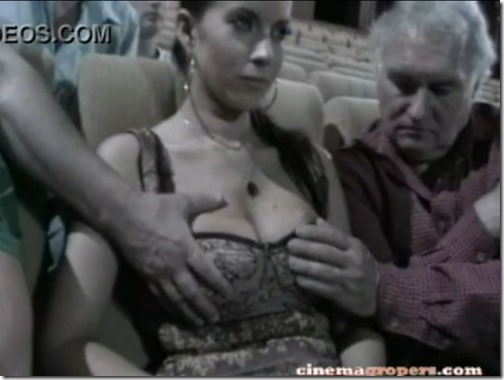【海外の痴漢事情;映画館編】触られても毅然とした爆乳美女『私のおっぱい凄い?』04後ろからも手が加わって