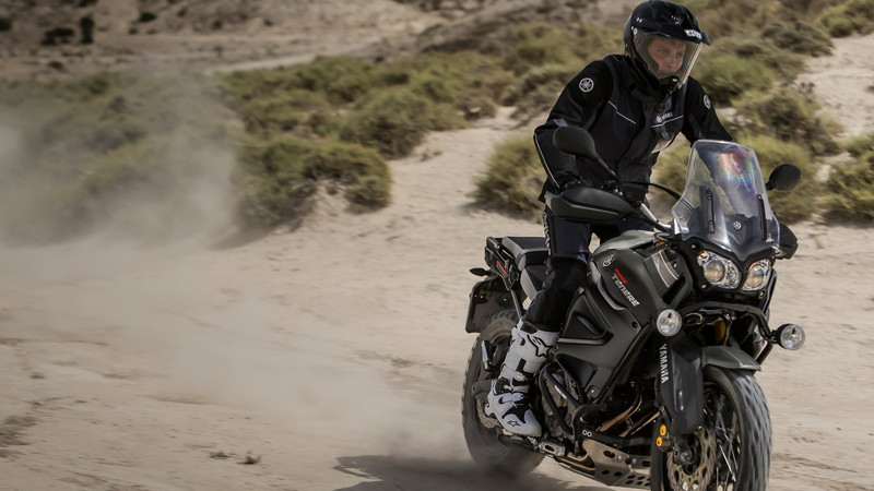 2015-Yamaha-XT1200Z-Super-Tenere-EU-Matt-Grey-Action-001.jpg