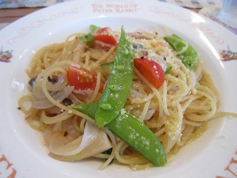 海老と野菜のオイルソースパスタ