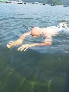 20120729 海坊主 泳ぐ