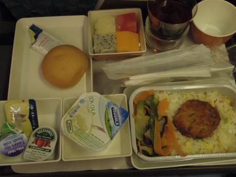 ホーチミン帰り機内食