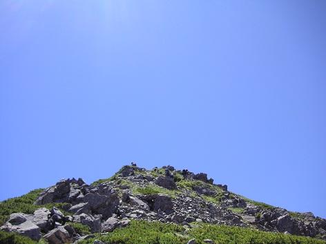 青に支配される山頂